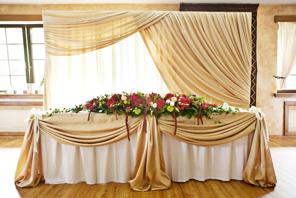 Юбка на свадебный стол своими руками