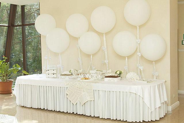 Белая свадьба. Столик для дарения.