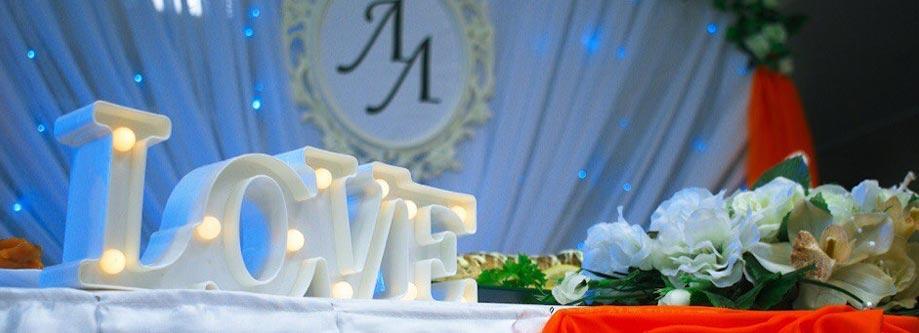 Аксессуары на столы молодоженов и гостей
