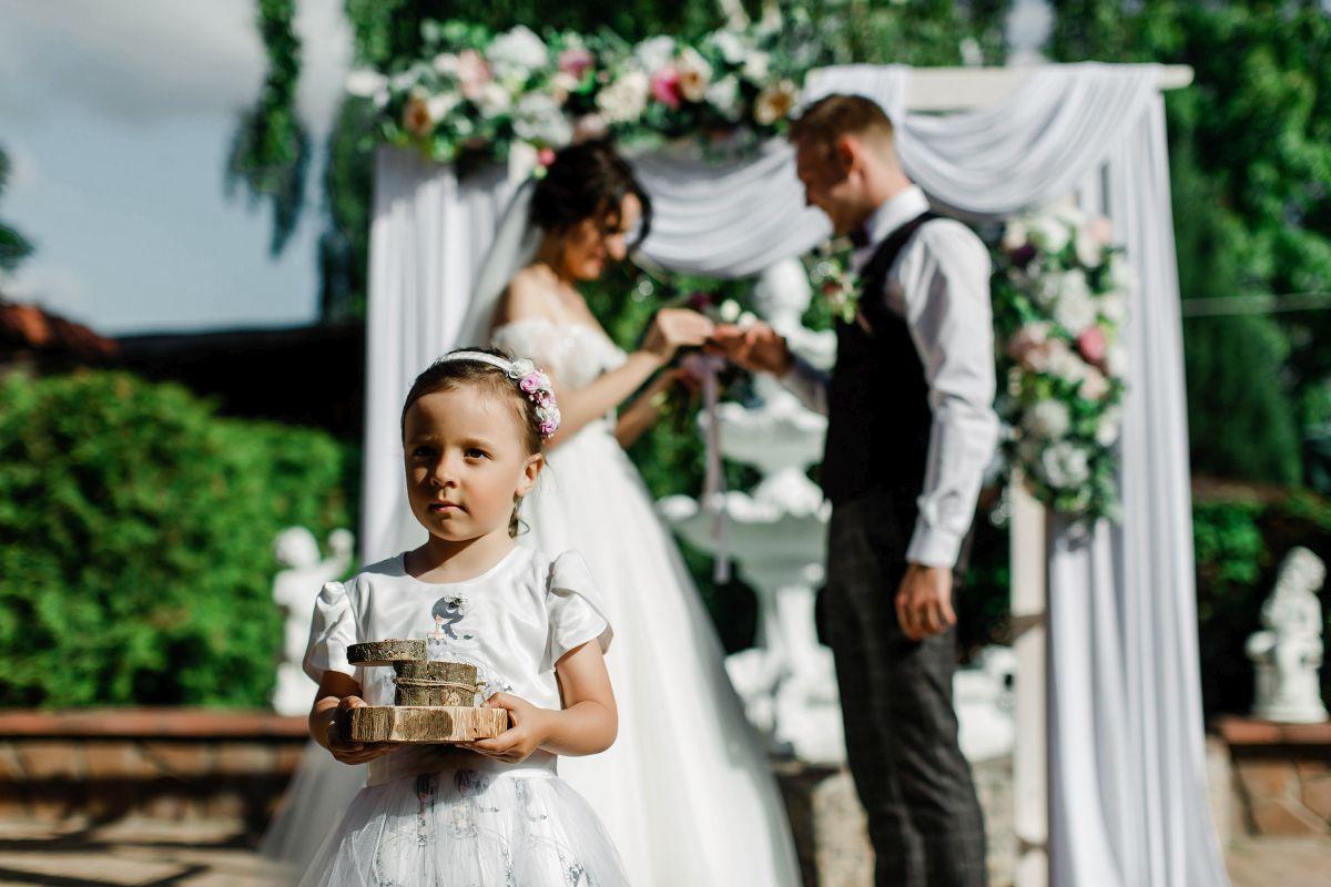 Свадебное оформление свадьбы Алексея и Ольги в кафе «Птичь»
