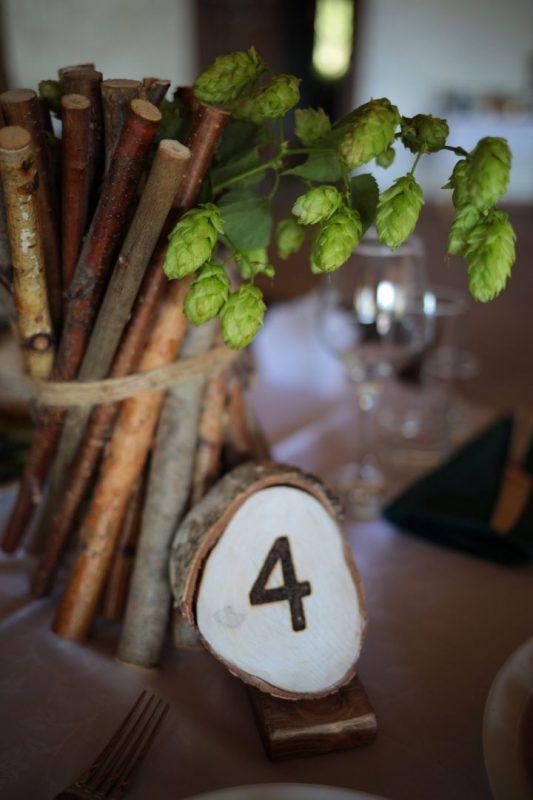 Декор выездной регистрации и банкетного зала в усадьбе Дачка Бай. Шкатулка для колец, столик для росписи, арка для выездной