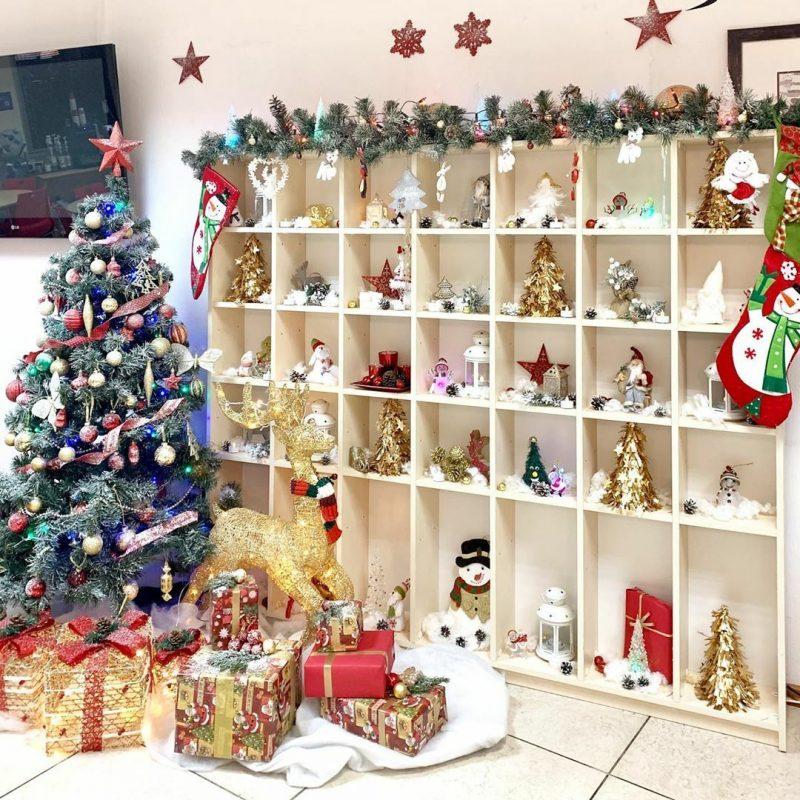 Рождественская фотозона в офисе компании Altoros