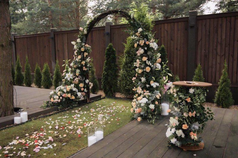 Оформление выездной свадебной регистрации в коттедже «Мон Шале»